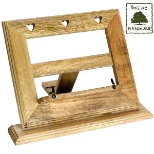 lutrin pupitre repose livre en bois de manguier motif coeur. Black Bedroom Furniture Sets. Home Design Ideas